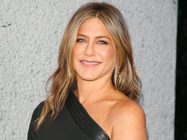 jennifer-aniston-networth-salary-house-cars-wiki