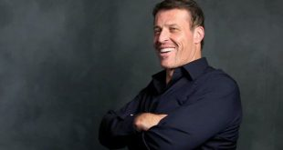 tony-robbins-networth-salary-house-cars