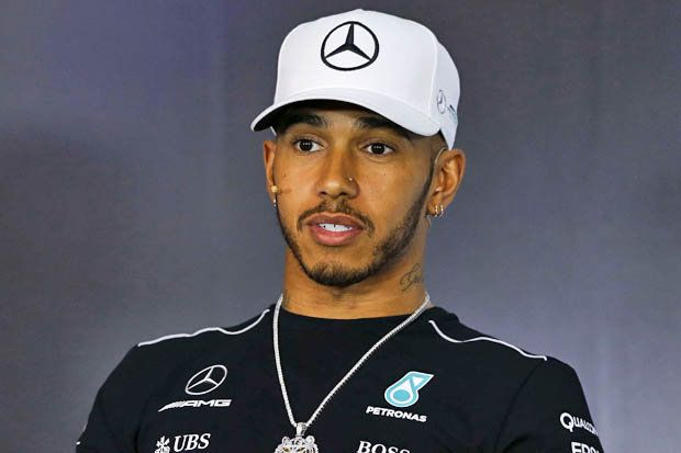 Lewis-Hamilton-networth-salary-house-cars