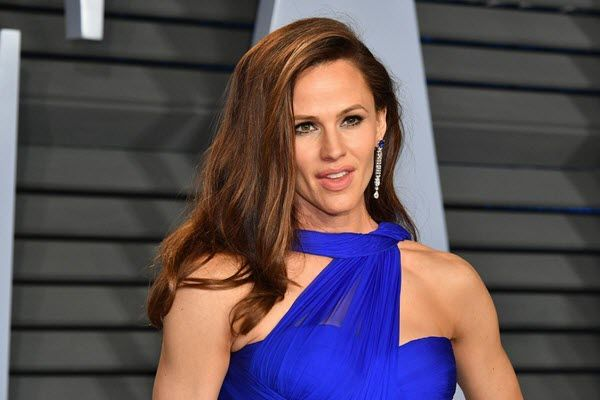 jennifer-garner-netwoth-salary-house-cars