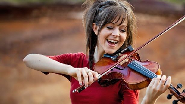 lindsey-stirling-networth-salary-house-cars