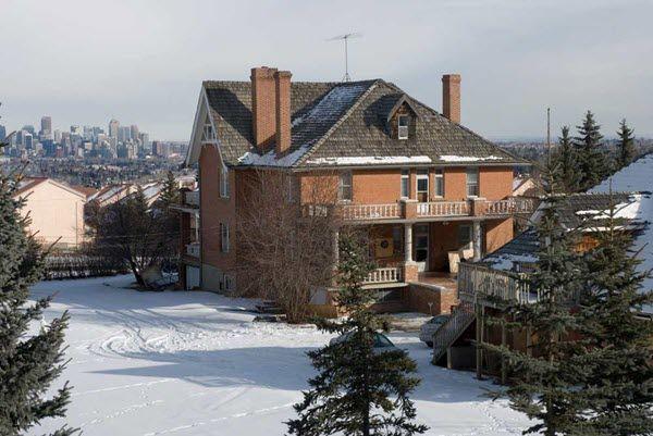 bret-hart-house