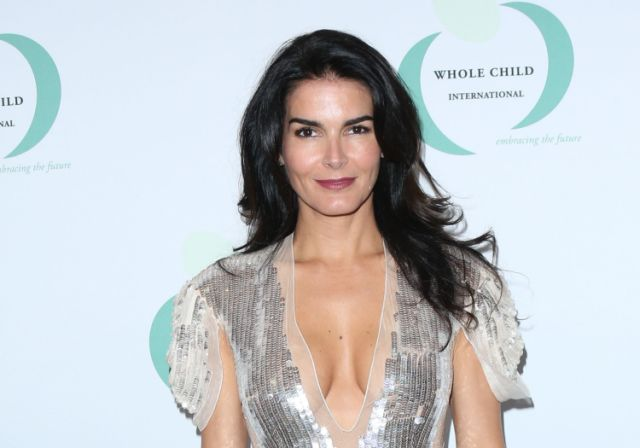 angie harmon networth salary