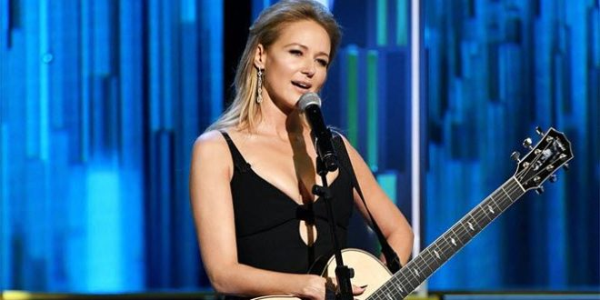 Jewel Net Worth 2020: How Much is Singer Jewel Worth?