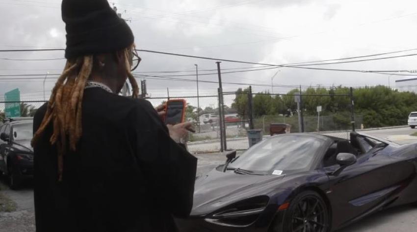 Lil Wayne gives himself a McClaren